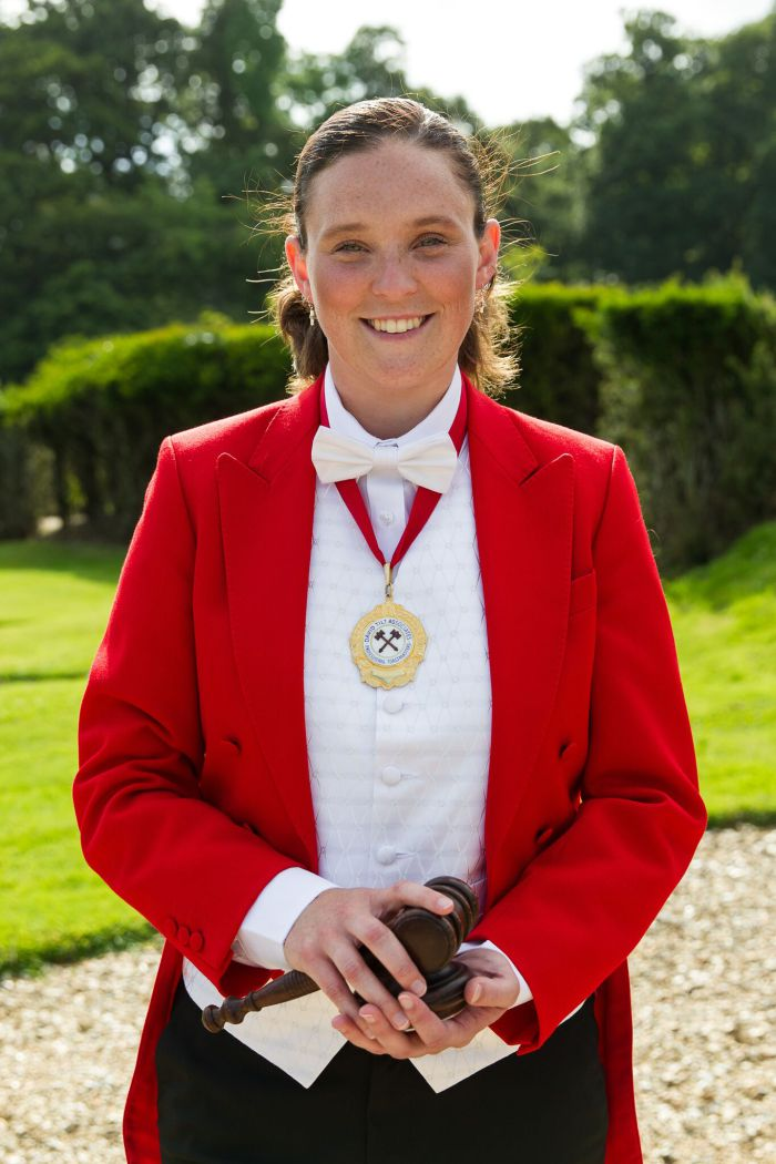 professional female wedding & event Toastmaster South of London and my job is to make sure that you and your guests have a truly wonderful day.